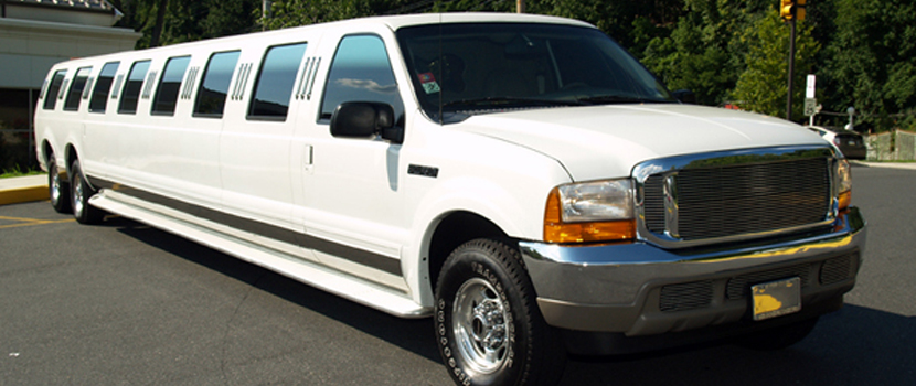 24 Pax Ford Excursion Limo